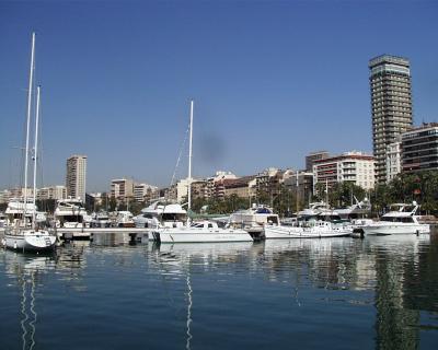 Der Hafen von Alicante